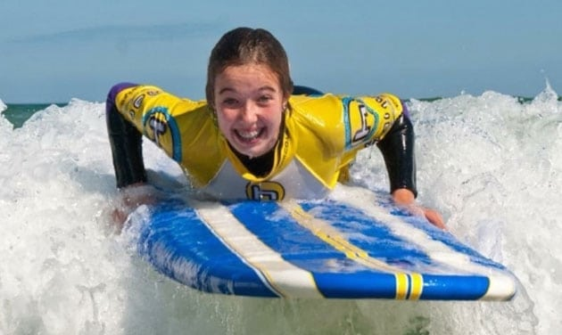 Beginners surf lessons