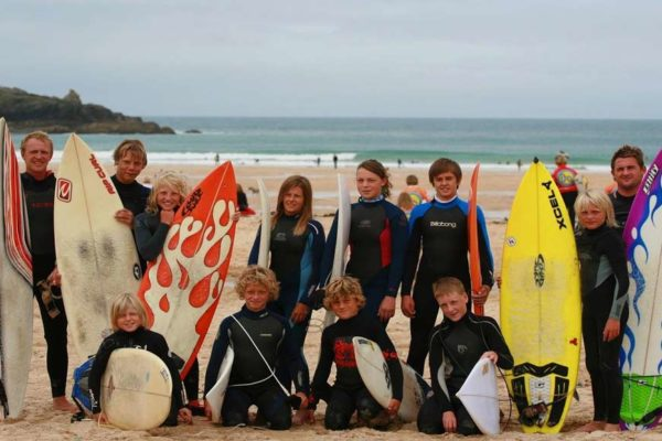 Kids surf group